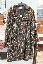 LADY'S DYED ERMINE FUR COAT; red-brown fur with