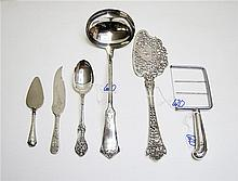 SIX SILVER FLATWARE PIECES. Sterling items: 1 Wood