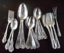 ASSORTED STERLING SILVER FLATWARE, thirty-four pie