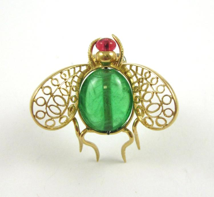 FOURTEEN KARAT YELLOW GOLD FLY BROOCH, with an ova