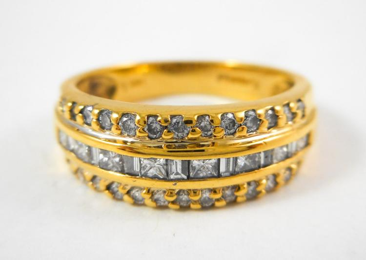 DIAMOND AND FOURTEEN KARAT GOLD RING, with two row