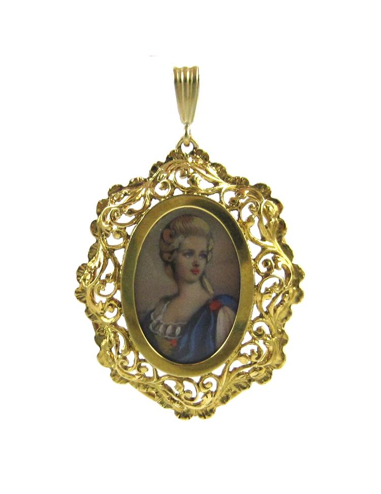 italian eighteen karat gold portrait pendant with