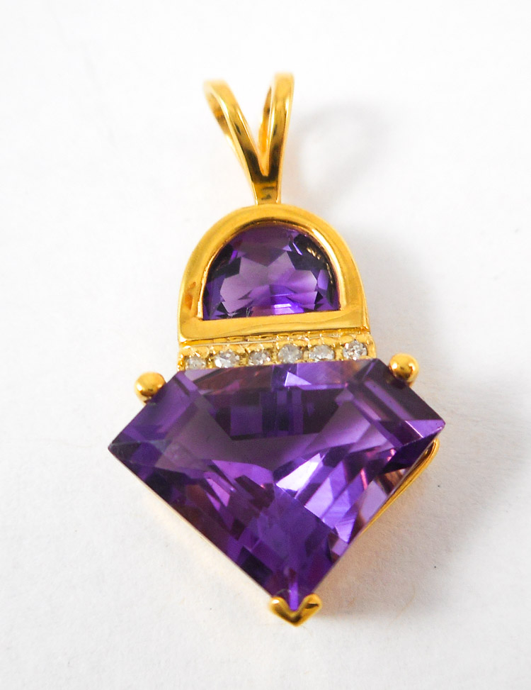 AMETHYST, DIAMOND AND FOURTEEN KARAT GOLD PENDANT,