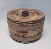 NORTHWEST NATIVE AMERICAN WOVEN BASKET WITH LID, h