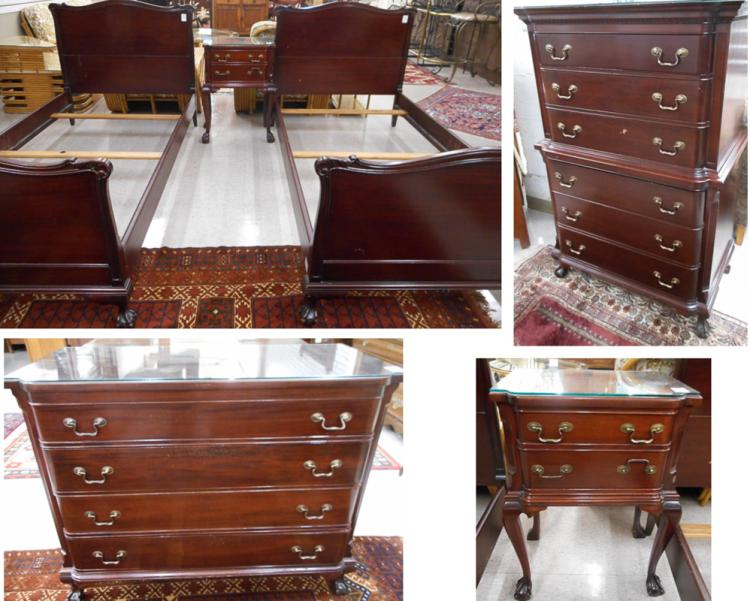 FIVE-PIECE CHIPPENDALE REVIVAL MAHOGANY BEDROOM FU