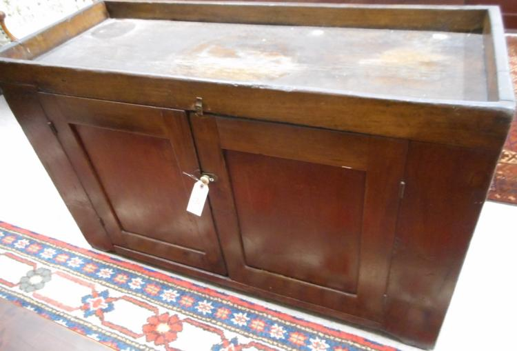 COUNTRY KITCHEN DRY SINK, American, 19th century,