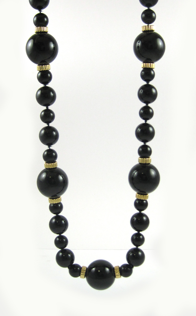 BLACK ONYX AND YELLOW GOLD BEAD NECKLACE, measurin