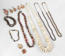 FOURTEEN PIECES OF JASPER, HOWLITE, PEARL AND RHOD