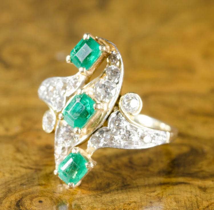 EMERALD, DIAMOND YELLOW GOLD AND PLATINUM RING.  T