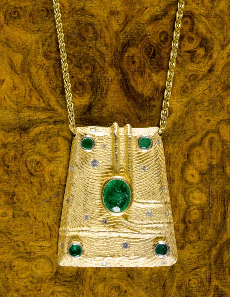 EMERALD, DIAMOND AND FOURTEEN KARAT GOLD NECKLACE,