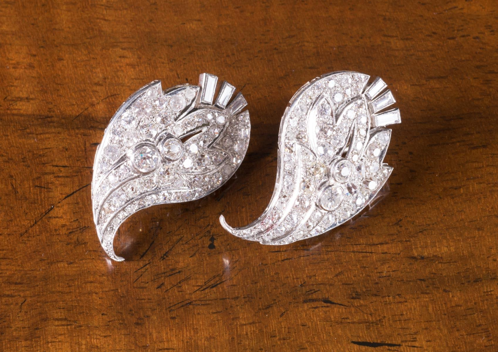 PAIR OF DIAMOND AND PLATINUM EARRINGS, each French