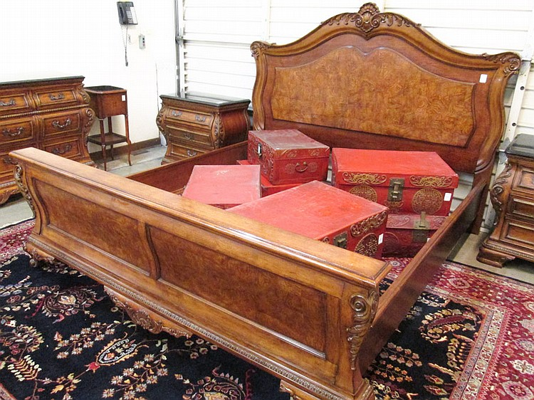 FOUR PIECE KING BEDROOM FURNITURE SET Thomasville