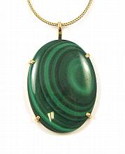 MALACHITE AND FOURTEEN KARAT GOLD PENDANT