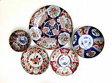 JAPANESE IMARI BOWLS, PLATES AND CHARGER, five