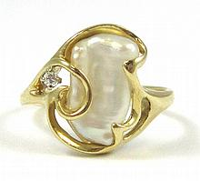 BAROQUE PEARL AND DIAMOND RING, 14k yellow gold