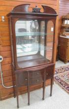 FEDERAL STYLE MAHOGANY AND GLASS CURIO CABINET ON