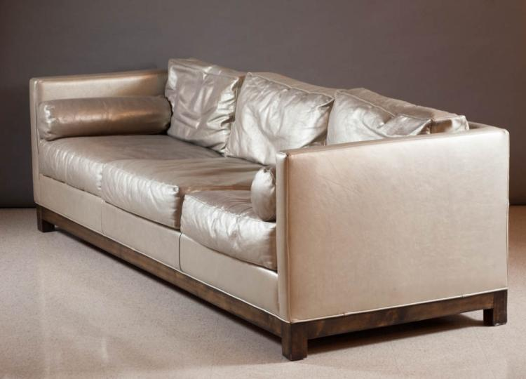 A contemporary kipling leather sofa moore giles for Moore and giles furniture