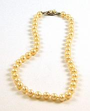 CHOKER LENGTH PEARL NECKLACE, strung with 46 well
