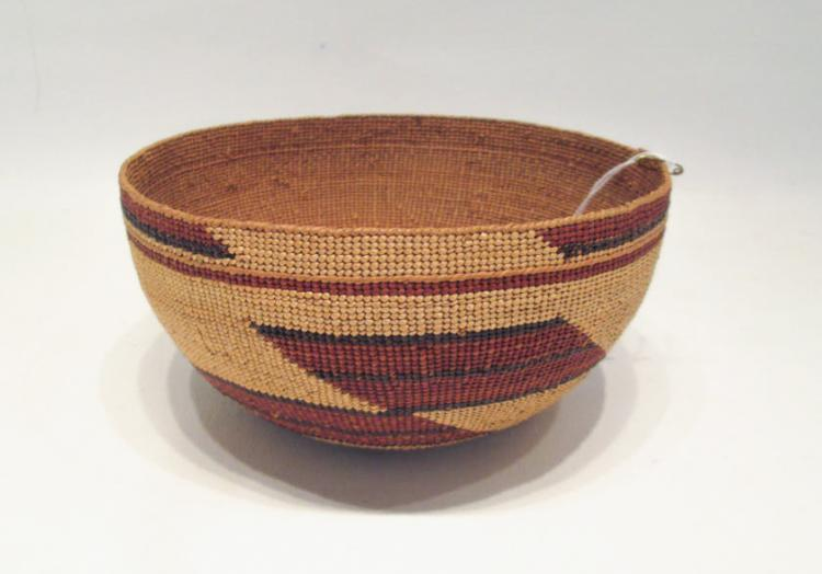 NATIVE AMERICAN (HUPA) BASKETRY CAP, finely hand w