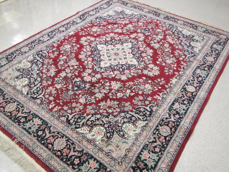 A HAND KNOTTED ORIENTAL CARPET, Indo-Persian, flor