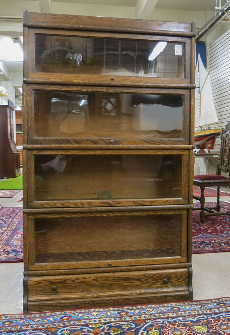 STACKING SECTIONAL OAK BOOKCASE, Globe-Wernicke Co