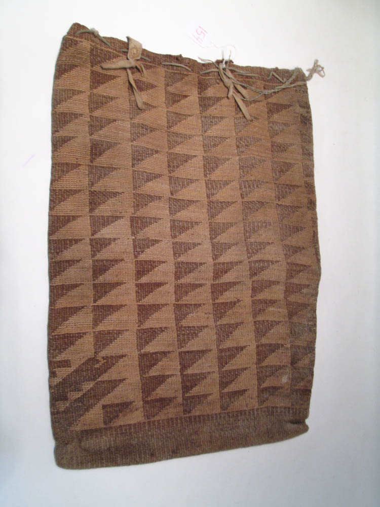 NATIVE AMERICAN (PLATEAU) CORN HUSK BAG, the large