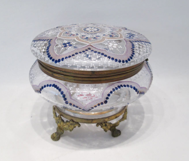 ROUND ENAMELED GLASS VANITY BOX, having clear glas