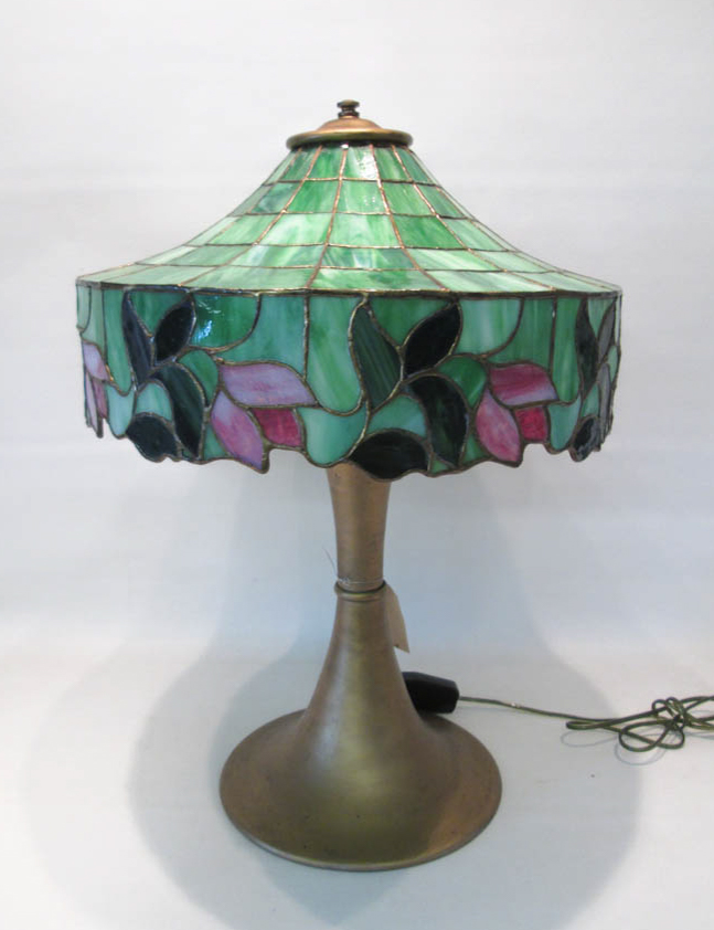 SLAG AND STAINED GLASS TABLE LAMP, the shade havin