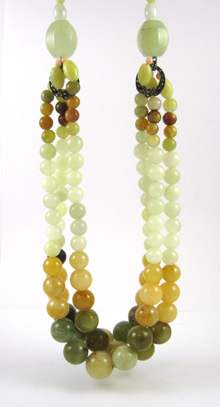HARDSTONE BEAD NECKLACE, measuring 22-1/2 inches i