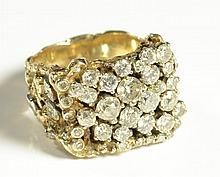 MAN'S DIAMOND CLUSTER AND TEN YELLOW GOLD RING,