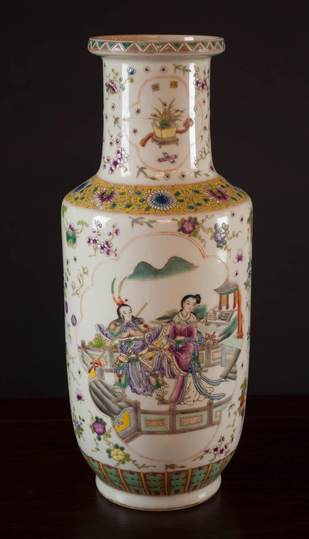 CHINESE QING FAMILLE ROSE PORCELAIN VASE, baluster