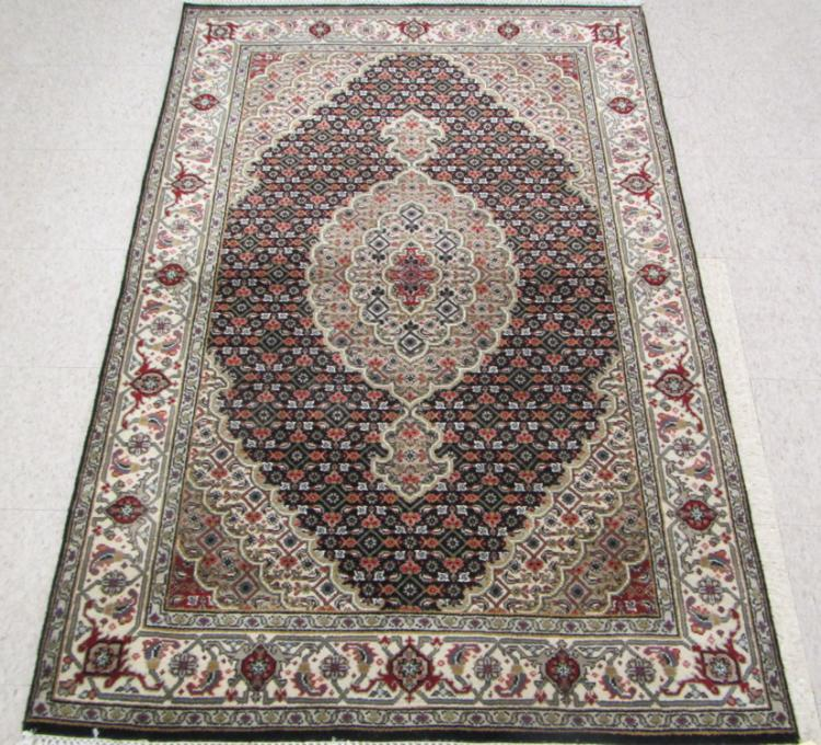 HAND KNOTTED ORIENTAL AREA RUG, Indo-Bijar, centra