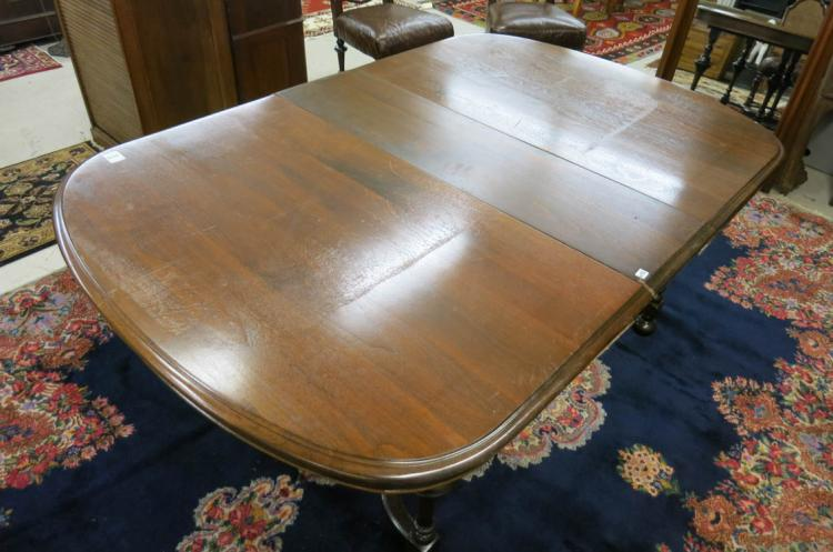 WILLIAM & MARY REVIVAL DINING TABLE WITH THREE LEA