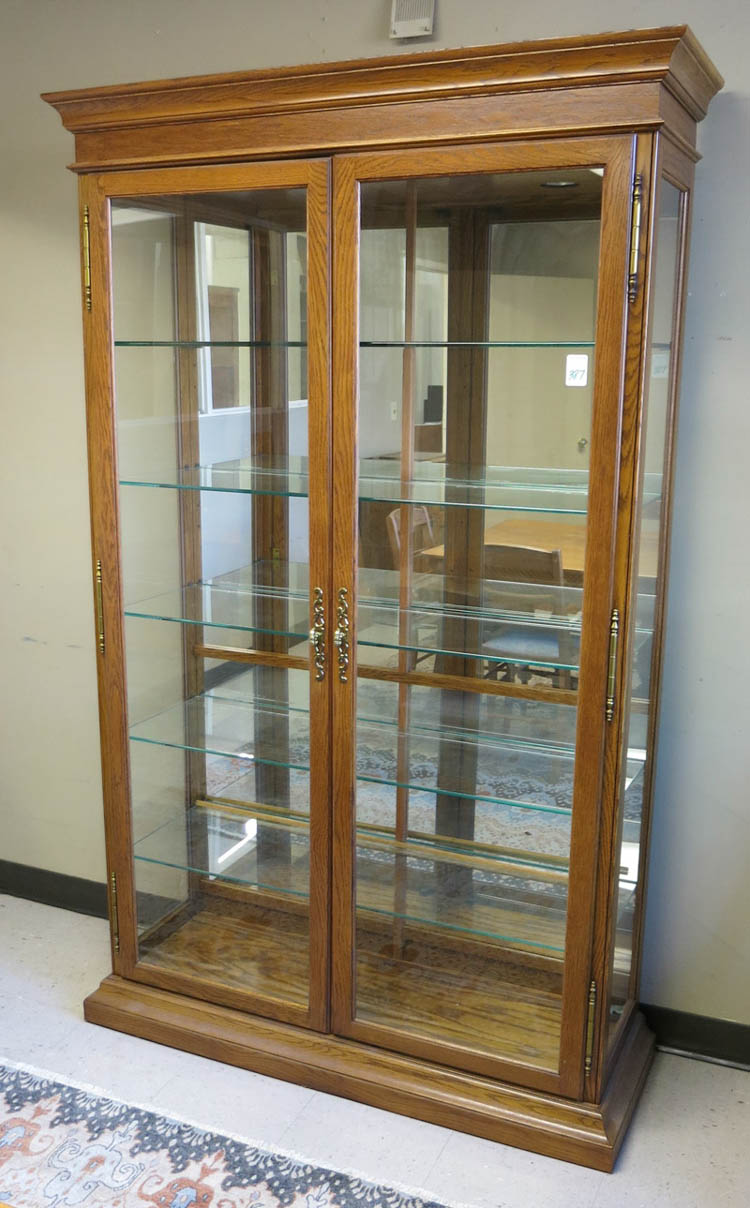 MODERN OAK AND GLASS ILLUMINATED DISPLAY CABINET,
