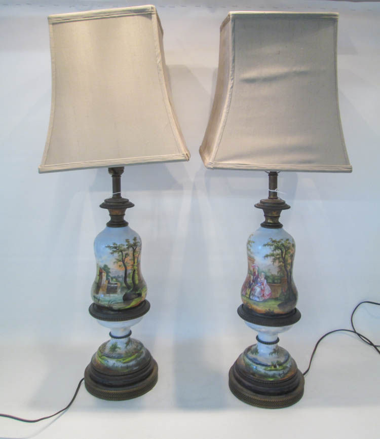 PAIR OF PORCELAIN HAND PAINTED TABLE LAMPS decorat