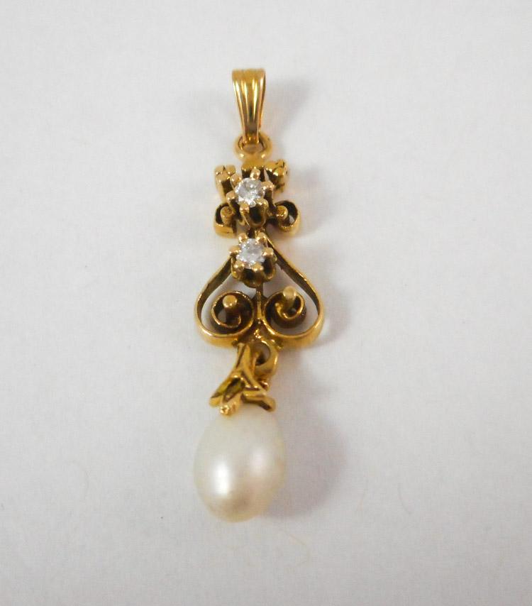 PEARL, DIAMOND AND FOURTEEN KARAT GOLD PENDANT, wi