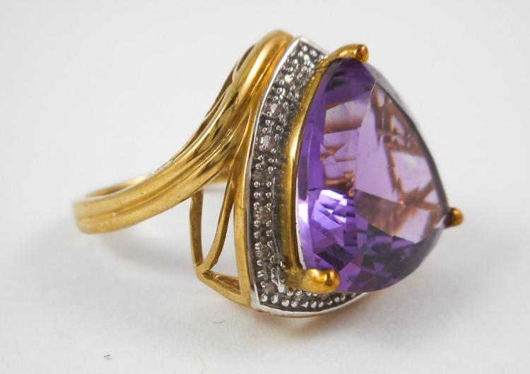 AMETHYST, DIAMOND AND TEN KARAT GOLD RING, with ro