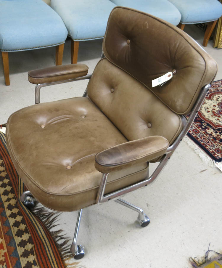 AN EAMES EXECUTIVE LEATHER DESK CHAIR, Charles & R
