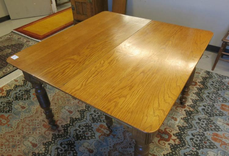 LATE VICTORIAN RECTANGULAR OAK DINING TABLE WITH L