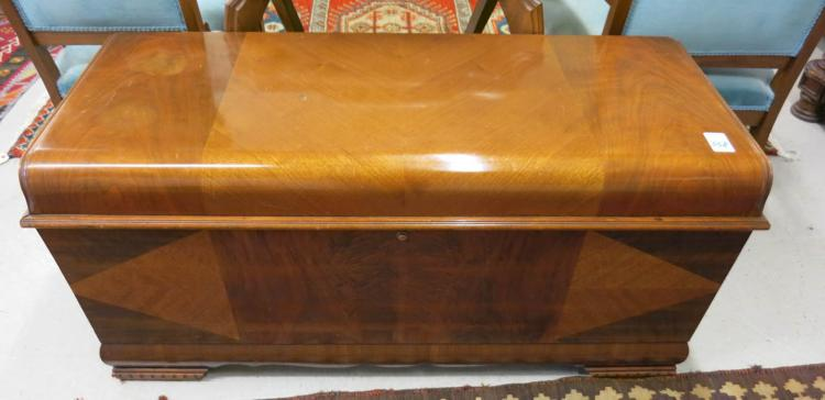LIFT-TOP CEDAR BLANKET CHEST, Lane Furniture Co.,