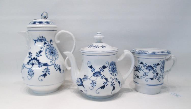 MEISSEN STYLE PORCELAIN TEA POT, COFFEE POT AND ST