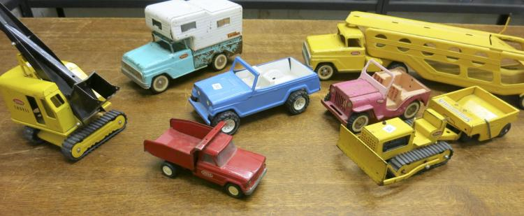 SEVEN VINTAGE TONKA TOY VEHICLES, including