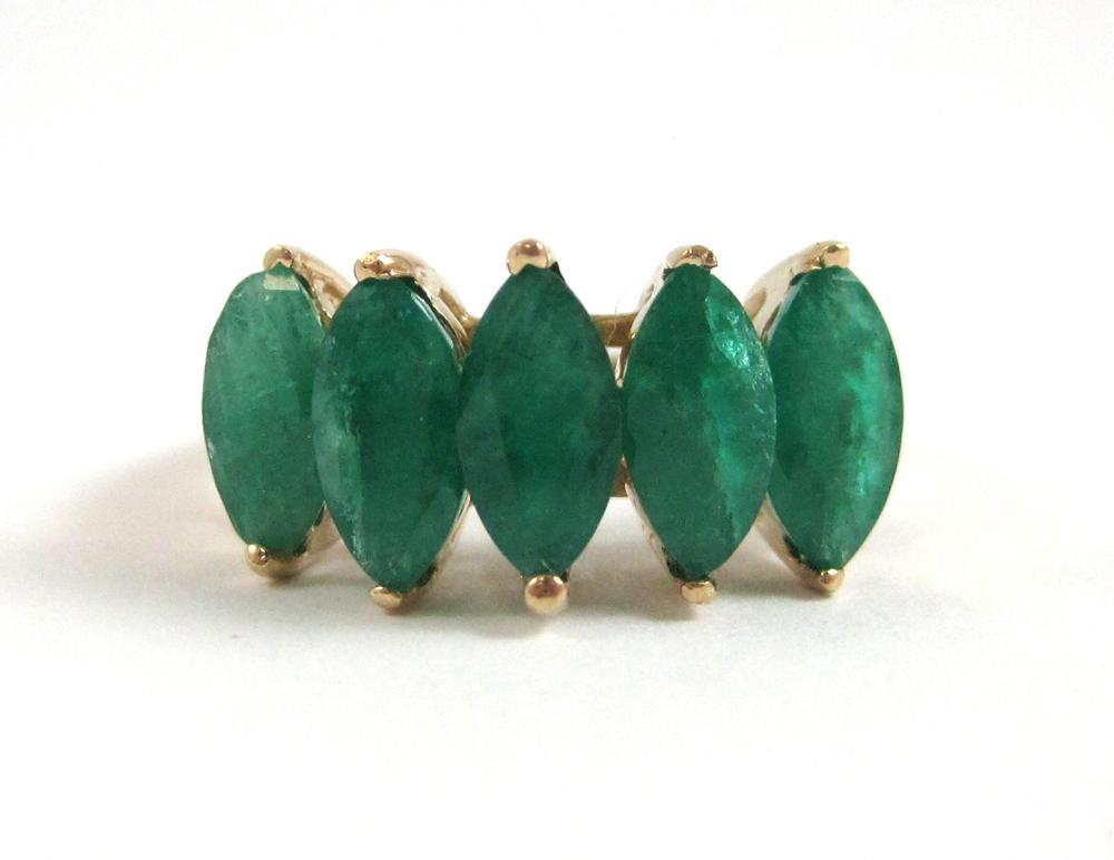 EMERALD AND YELLOW GOLD RING WITH APPRAISAL.  The