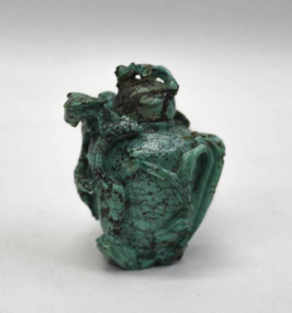 Lot 391: CHINESE CARVED TURQUOISE SNUFF BOTTLE, with matchi