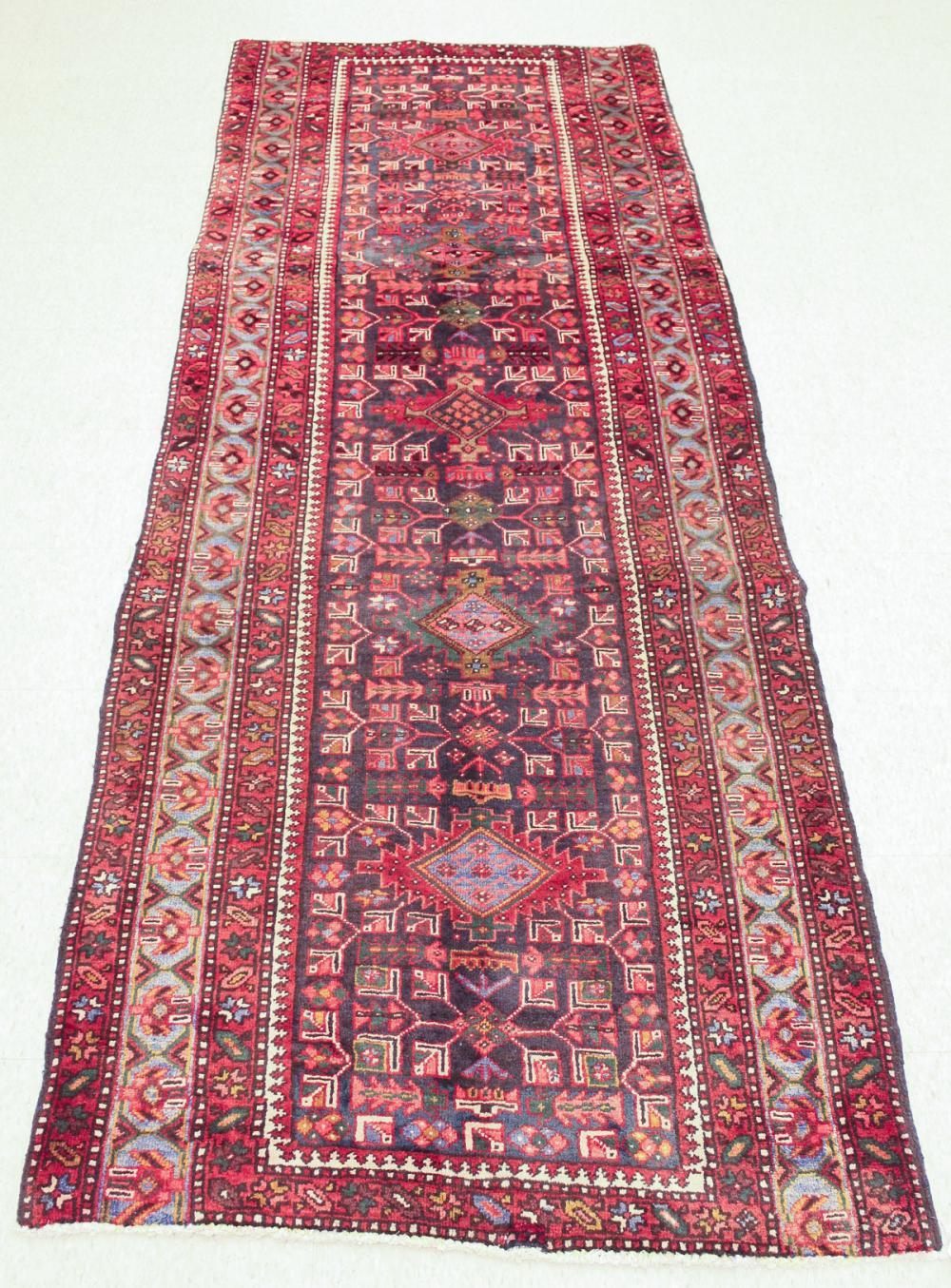 HAND KNOTTED PERSIAN SEMI-ANTIQUE AREA RUG, Bijar