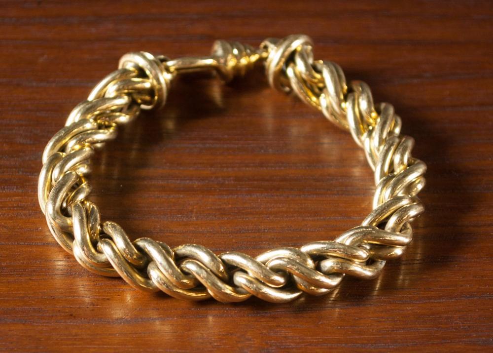 ITALIAN EIGHTEEN KARAT GOLD CHAIN BRACELET.  The h