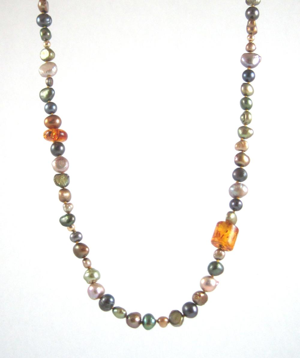 MULTI COLOR PEARL, AMBER AND FOURTEEN KARAT GOLD N