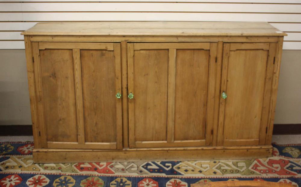 Lot 516: THREE-DOOR PINE BUFFET, Continental, c. 1900, 39.7
