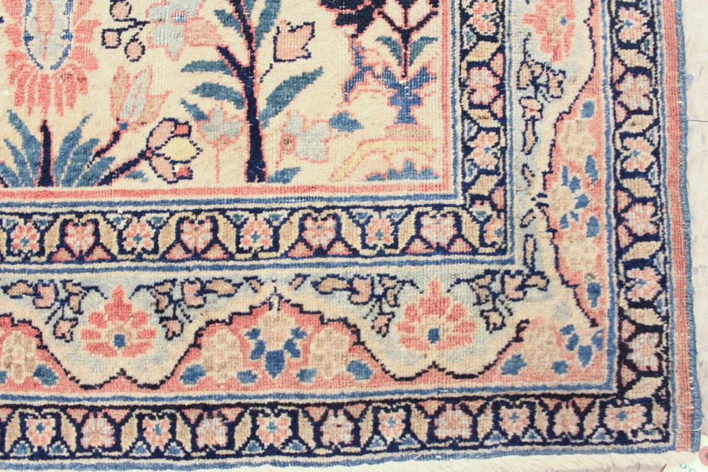 Lot 552: HAND KNOTTED ANTIQUE PERSIAN CARPET, floral and ce