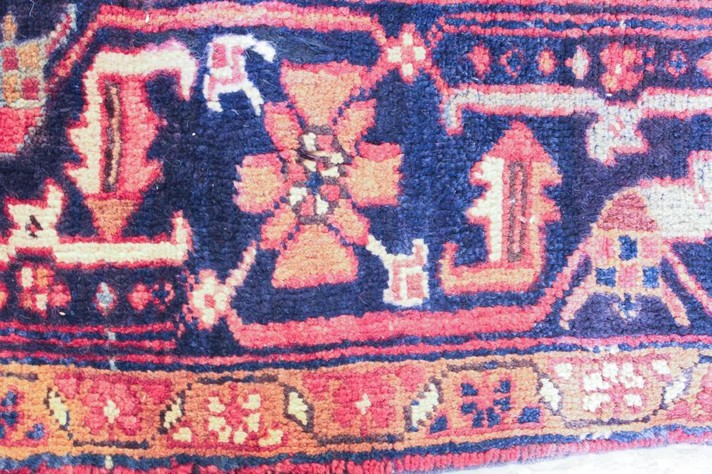 Lot 331: SEMI-ANTIQUE PERSIAN HERIZ CARPET, East Azerbaijan